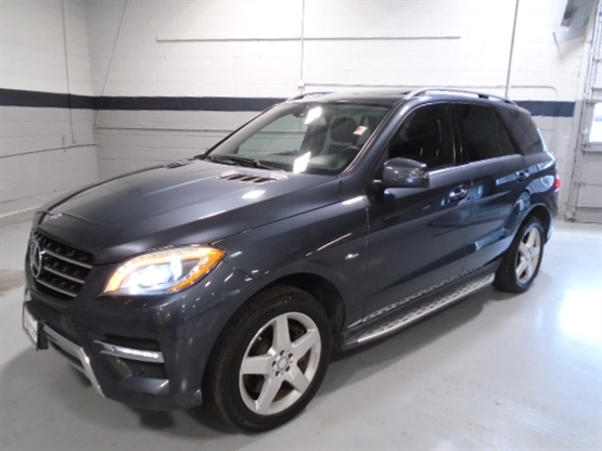 2012 MERCEDES-BENZ ML-Class 550 4MATIC AWD